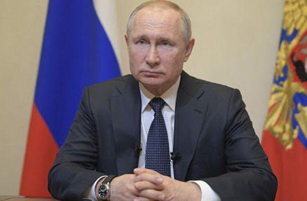 "Vladimir Putin, pus la colţ de Alexei Navalnîi. ""Devine umilitor pentru preşedintele rus"""