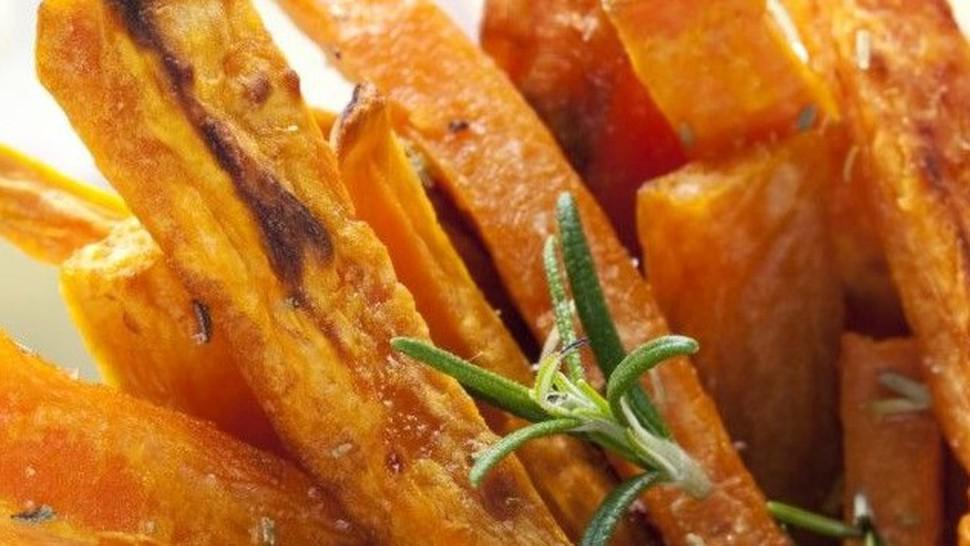 Rețetă de cartofi dulci, prăjiți și usturoi. Sigur n-ai mai mâncat așa ceva