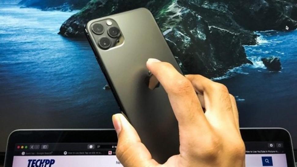 Telefonul cu o funcție minune. Ce face, de fapt, butonul de pe spatele iPhone